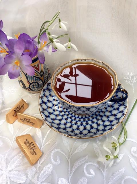 rooibos tea, floral tea, Russian porcelain, Lomonosov tea cup