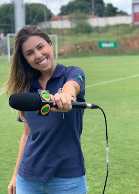 Yara Fantoni é a responsável pelas reportagens em campo. Divulgação/Instagram