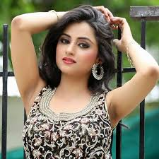 Madirakshi Mundle Family Husband Son Daughter Father Mother Age Height Biography Profile Wedding Photos