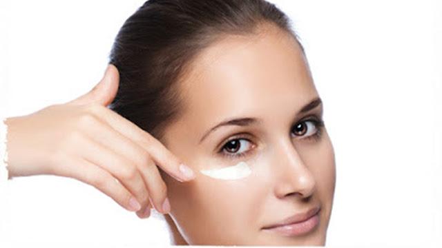 Todo lo que necesitas saber sobre el botox y las arrugas bajo los ojos.
