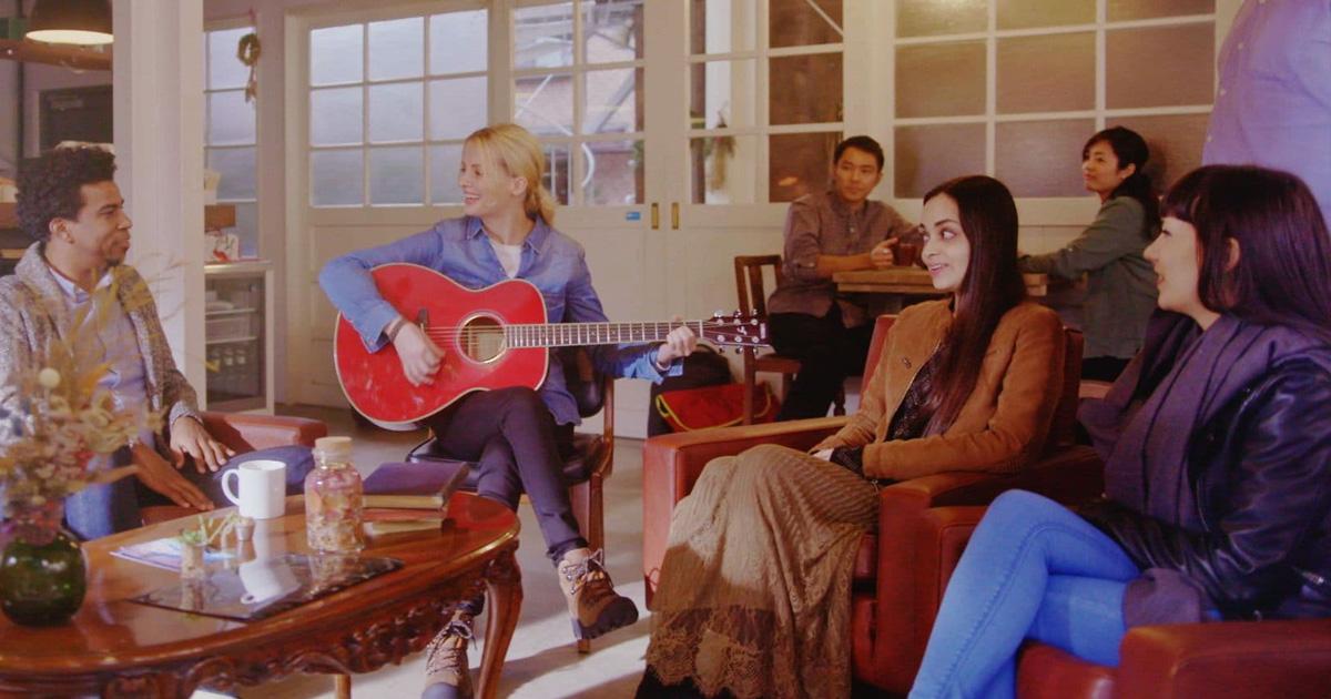 Cách học đàn guitar acoustic đơn giản nhất cho người mới bắt đầu