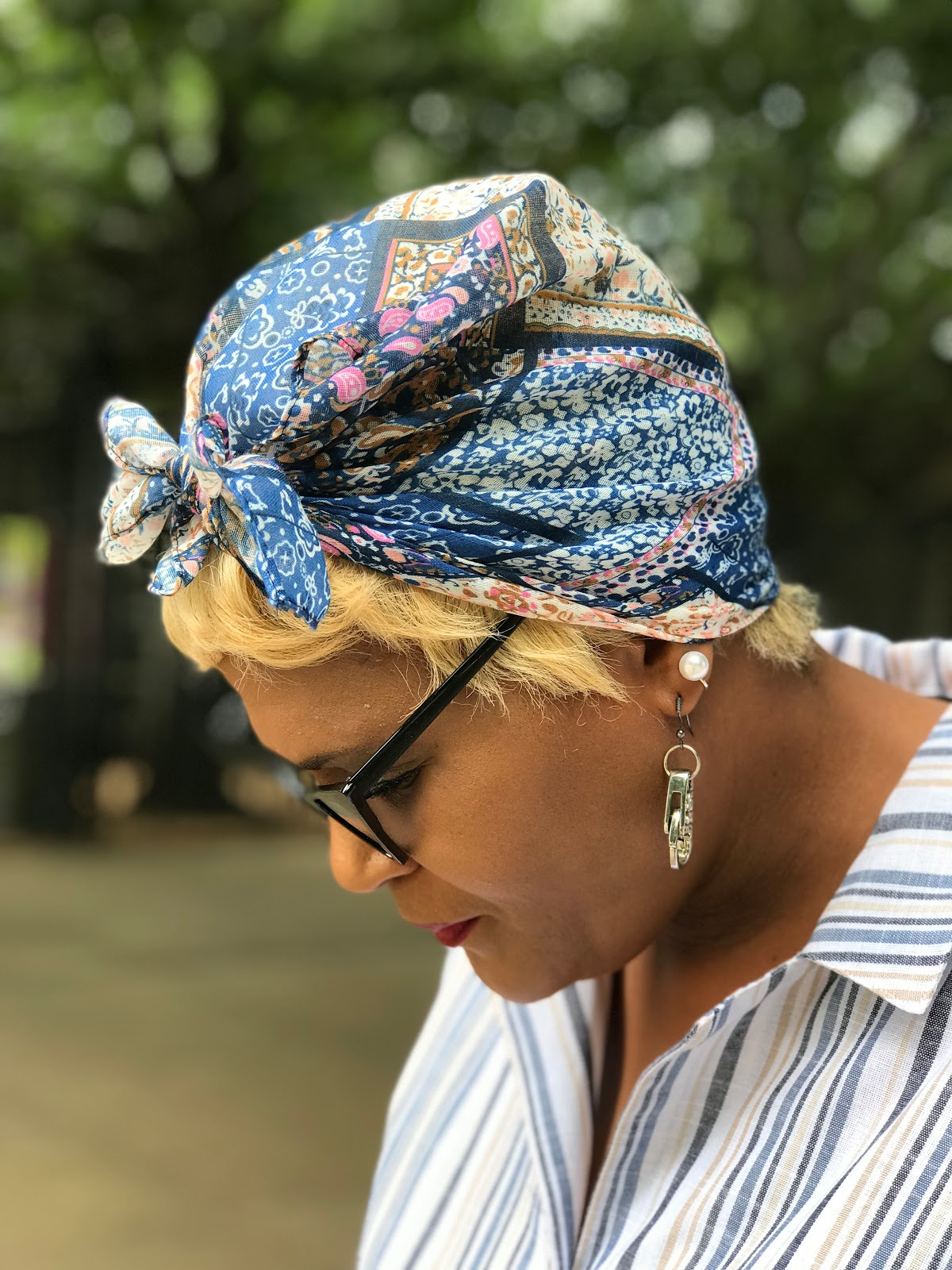 Image: Tangie Bell is showing her scarf styles for motivation. Over 40 style Seen first on Bits and Babbles Blog