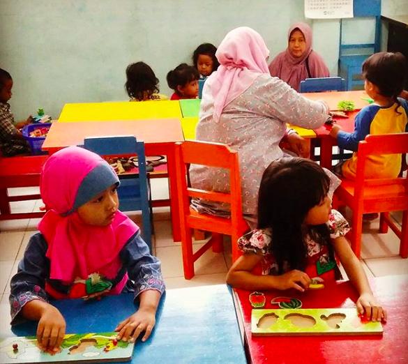 Tips Memilih Sekolah Pertama Untuk Anak