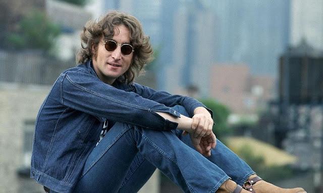 Biografi John Lennon Legends The Beatles