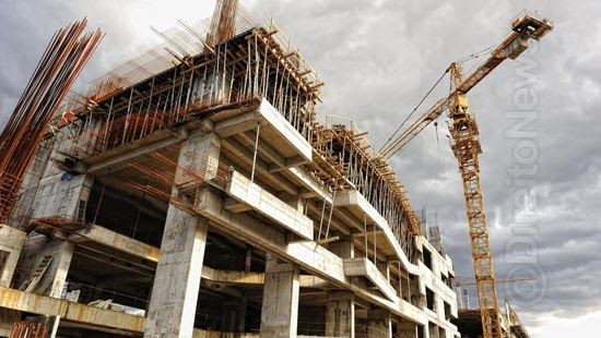 construtora indenizara cliente atraso obra inacabada