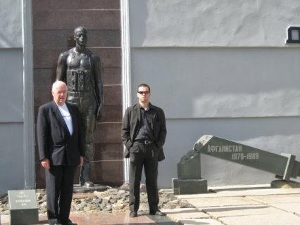 Jean-Pierre Vandersmissen si Fabrice Beaur (PCN-NCP) in Transnistria