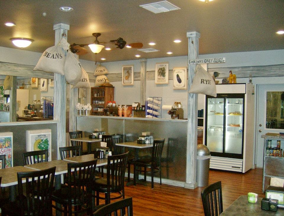 The Bowen Knot ⌘: Review: Front Porch Restaurant and Pie Shop in