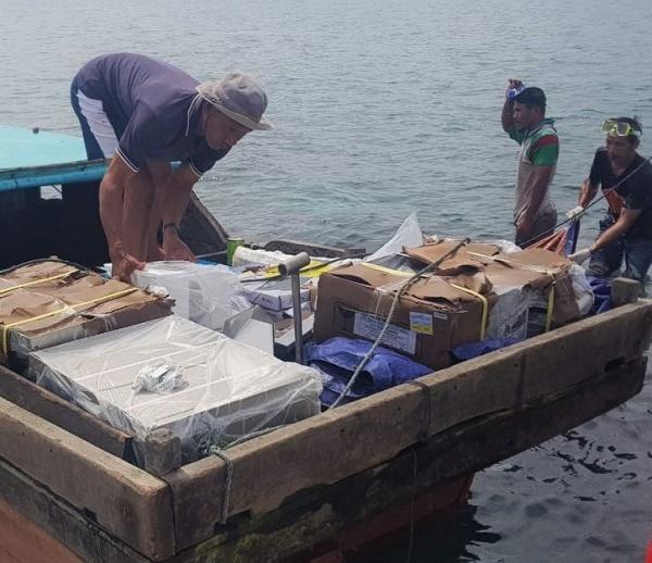 Kapal Motor Bermuatan Alat Medis Kandas di Perairan Kekek Lingga