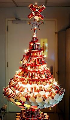 Pohon Natal dari Gelas Plastik
