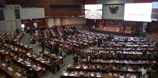 213 Anggota DPR Absen Di Rapat Paripurna Penetapan AKD