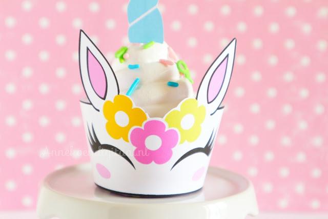 Eenhoorn traktatie cupcake, unicorn cupcake, traktatie eenhoorn, recept fluf, recept italiaans kookschuim, eenhoorn printable, printable eenhoorn, unicorn printable, traktatie eenhoorn, eenhoorn cupcakes maken
