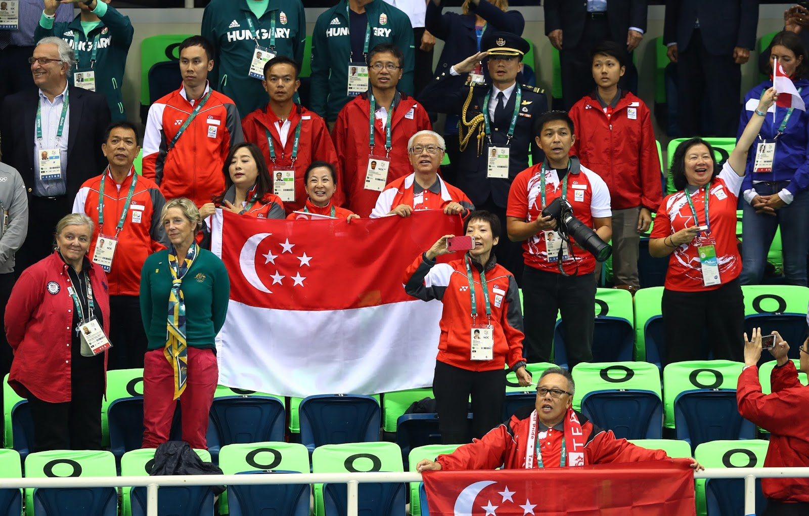 The Team Singapore contingent capture the historic moment with President Tony Tan.