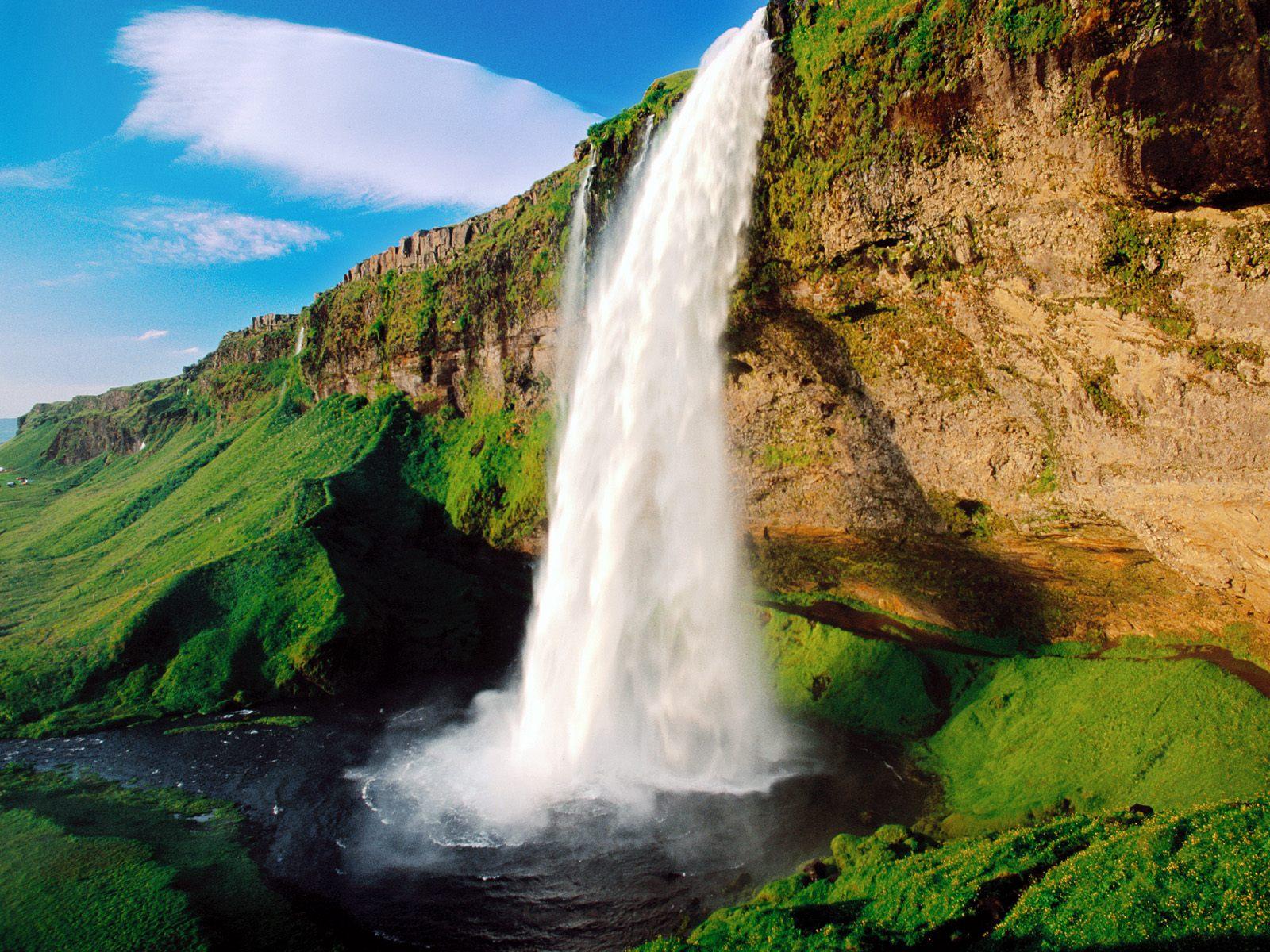 https://1.bp.blogspot.com/-JcPIbFLt22I/TcmPebO_5vI/AAAAAAAAABg/NqA9wfw-XPg/s1600/Waterfall-Wallpapers-Pack+%252817%2529.jpg