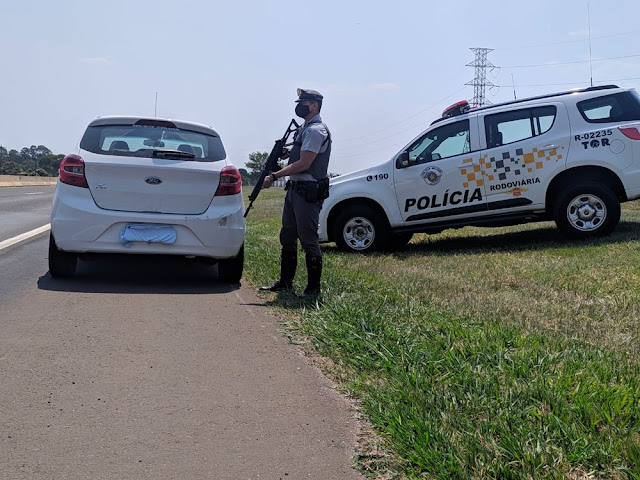 Polícia Rodoviária localiza carro furtado durante patrulhamento na Rodovia Raposo Tavares