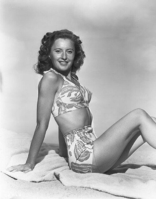 http://pinups-gogo.tumblr.com/post/157029341449/barbara-stanwyck-a-pin-up-pose-from-the