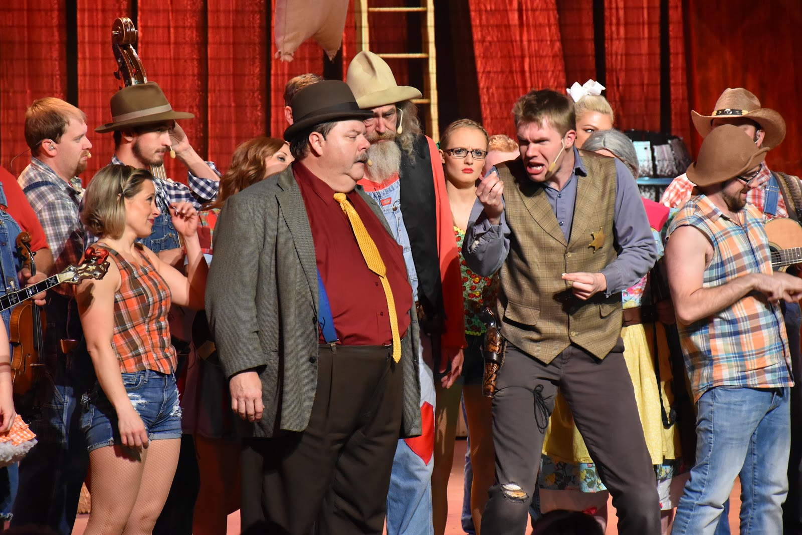 The Best Comedy Dinner Show in Pigeon Forge: Hatfield & McCoy Dinner Feud