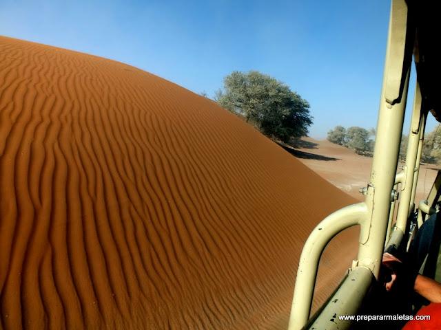 en el transfer a las dunas namibia