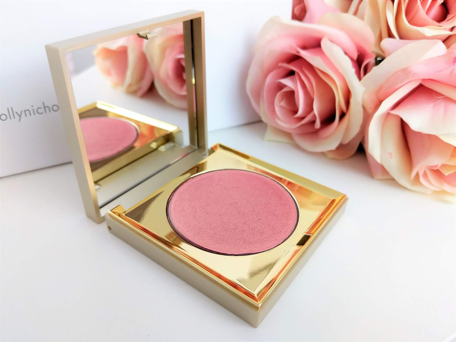 Stila_Vivid_and_Vibrant_Incandescence_Highlighter