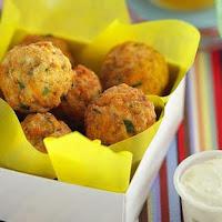 Resep Bola Bola Ayam Crispy Dengan Saus Pedas Manis
