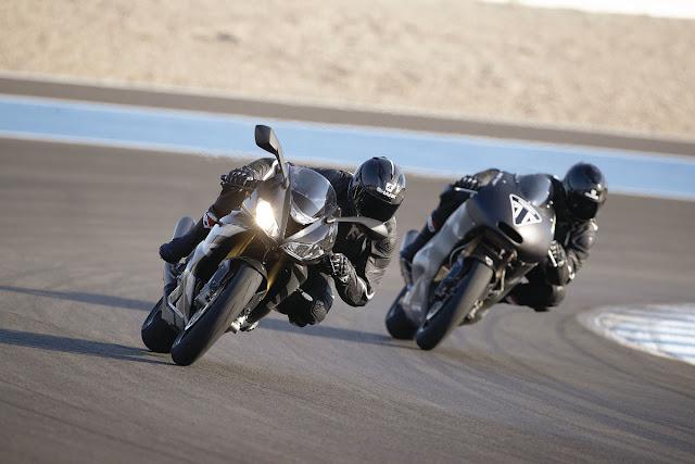 Triumph-Daytona-Moto2-765-1