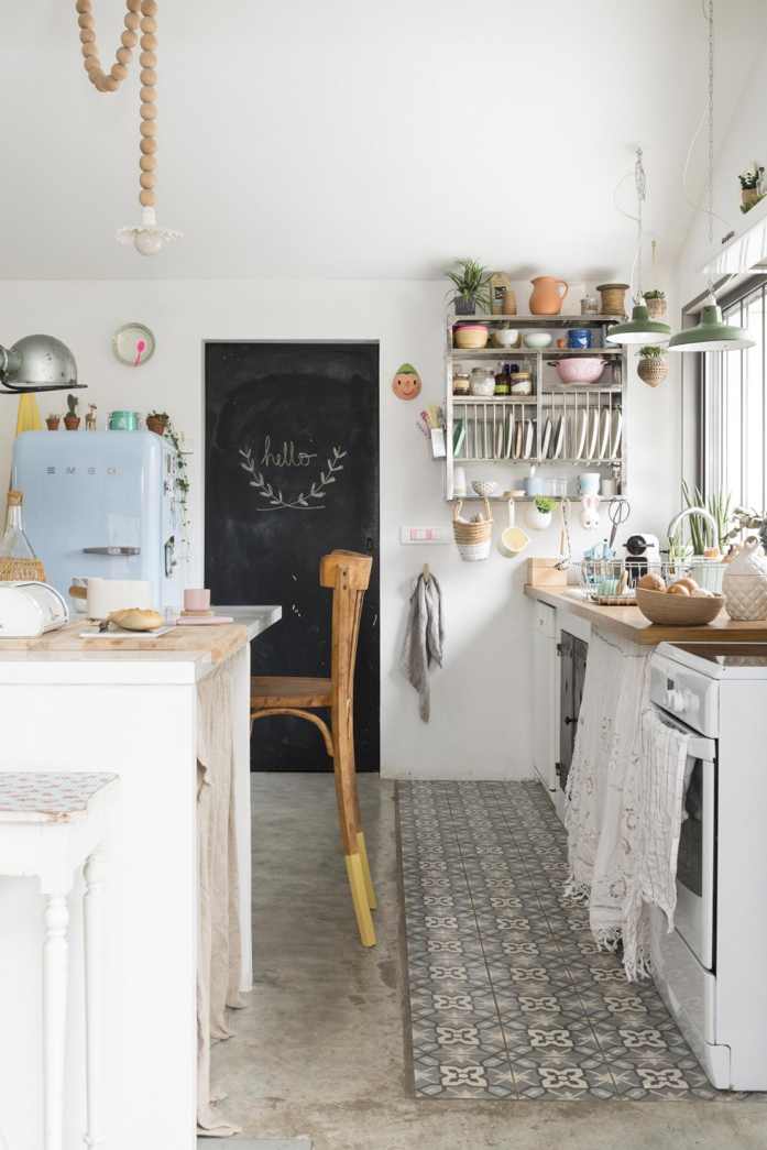 Love the personality in this cozy kitchen-design addict mom