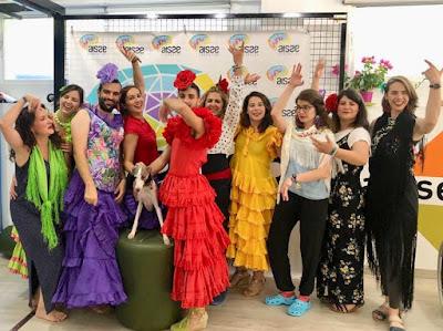 Socios de AISSE celebrando el Corpus