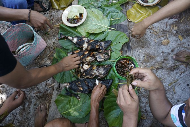 Santap bareng ikan bakar di Pulau Cilik Karimunjawa