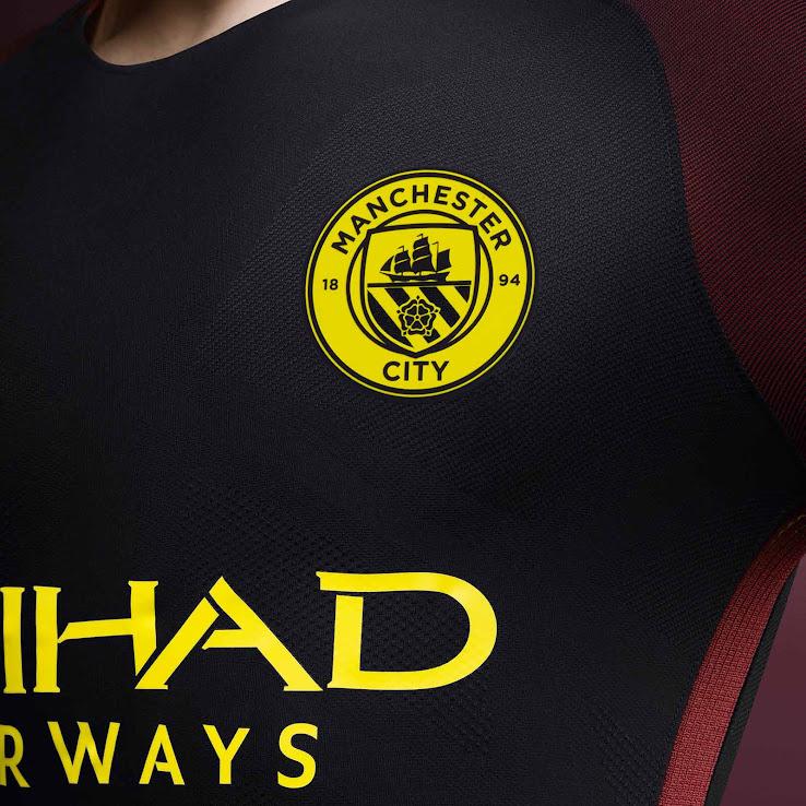 Oficial: Nueva camiseta suplente Nike del Manchester City
