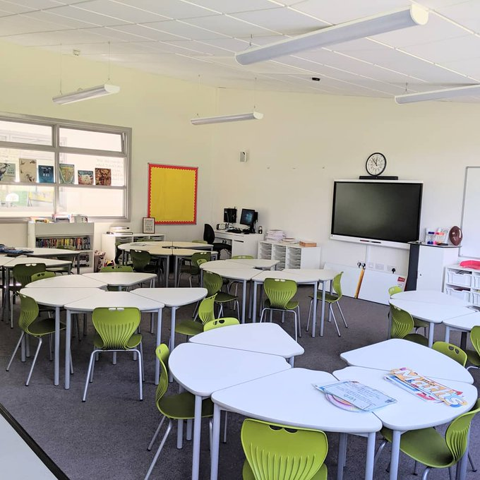 Teacher Shares Stunning Photo Of His News Classroom