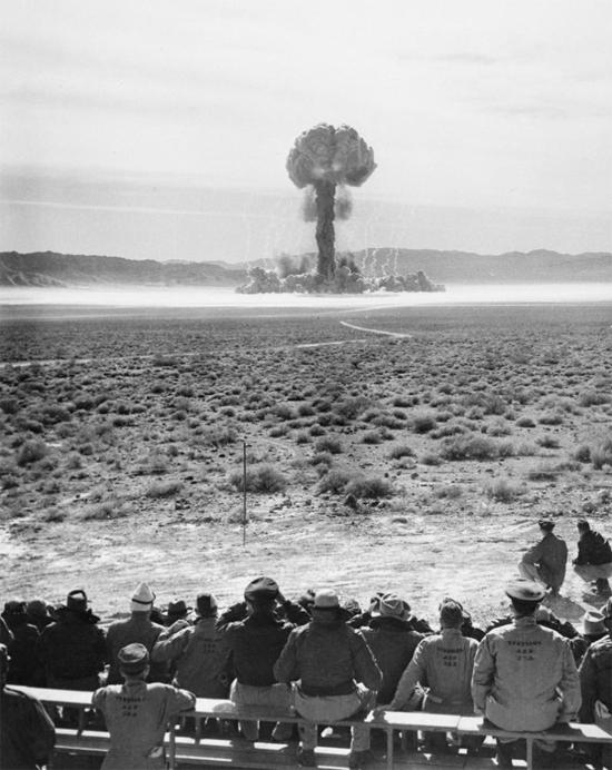 Nuclear test Desert - img