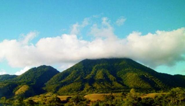Gunung Poco Ndeki