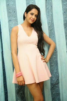 Abha+Singhal+Latest+Stills+(3) Actress Abha Singhal Spicy Photo Gallery in Skirt