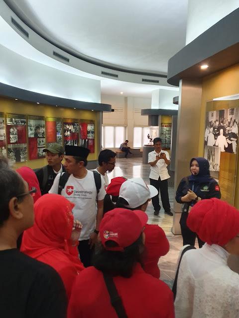 tour sejarah Bandung