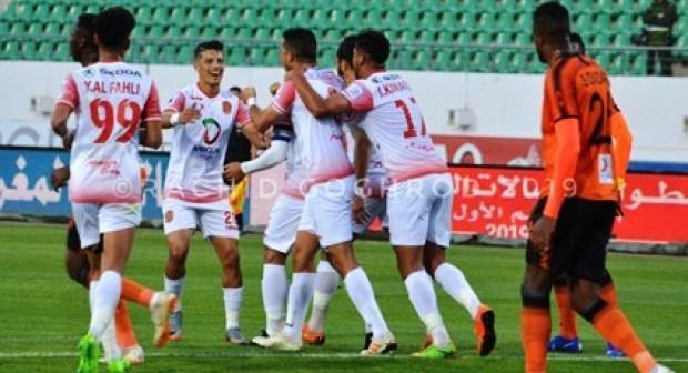 حسنية أكادير تضع قدما لها في ربع نهائي كأس الاتحاد الافريقي.
