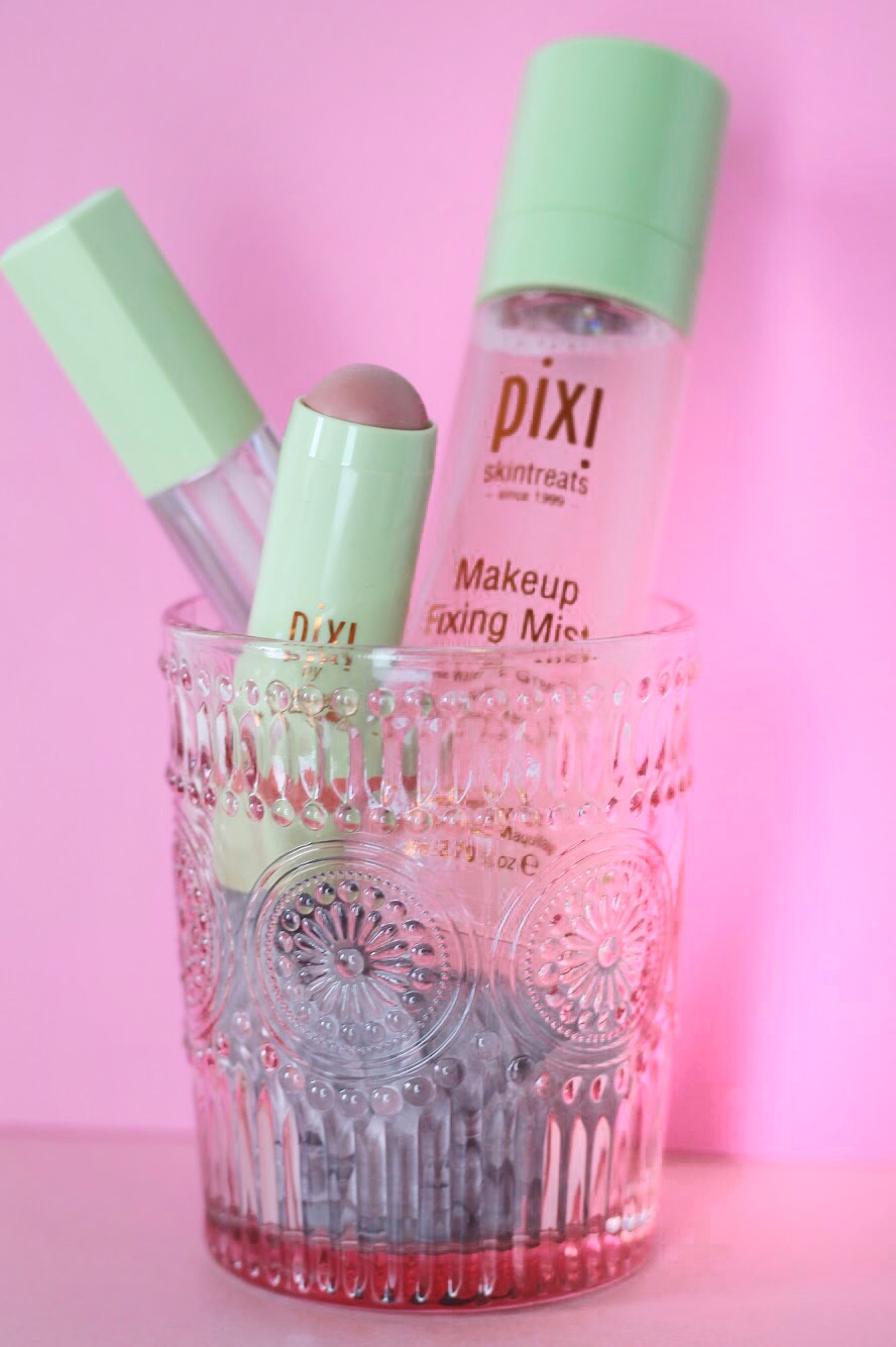 pixi make up review by UK beauty blogger tie dye eyes