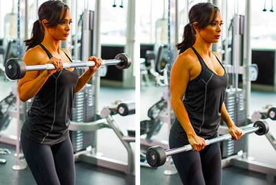 Curl de bíceps con agarre en pronación mujer