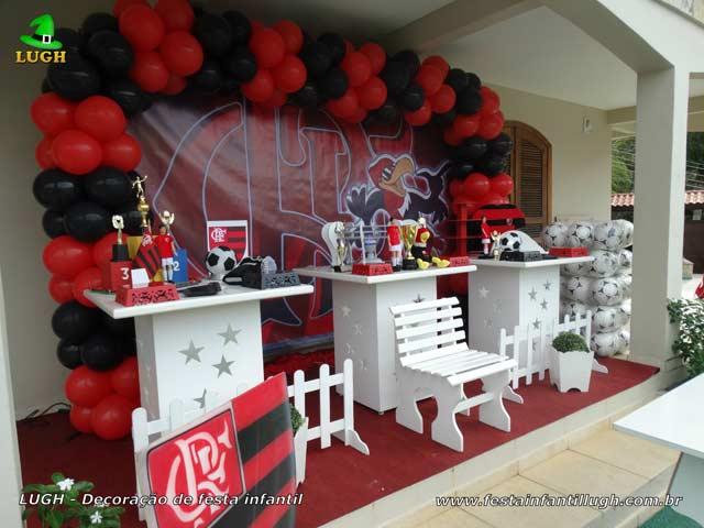 Mesa decorada provençal Flamengo