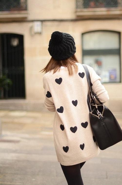 Suéter con corazones