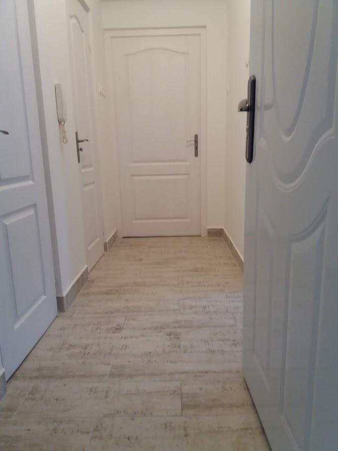 Eladó egy első emeleti, egy szobás lakás az Ótemető utca elején