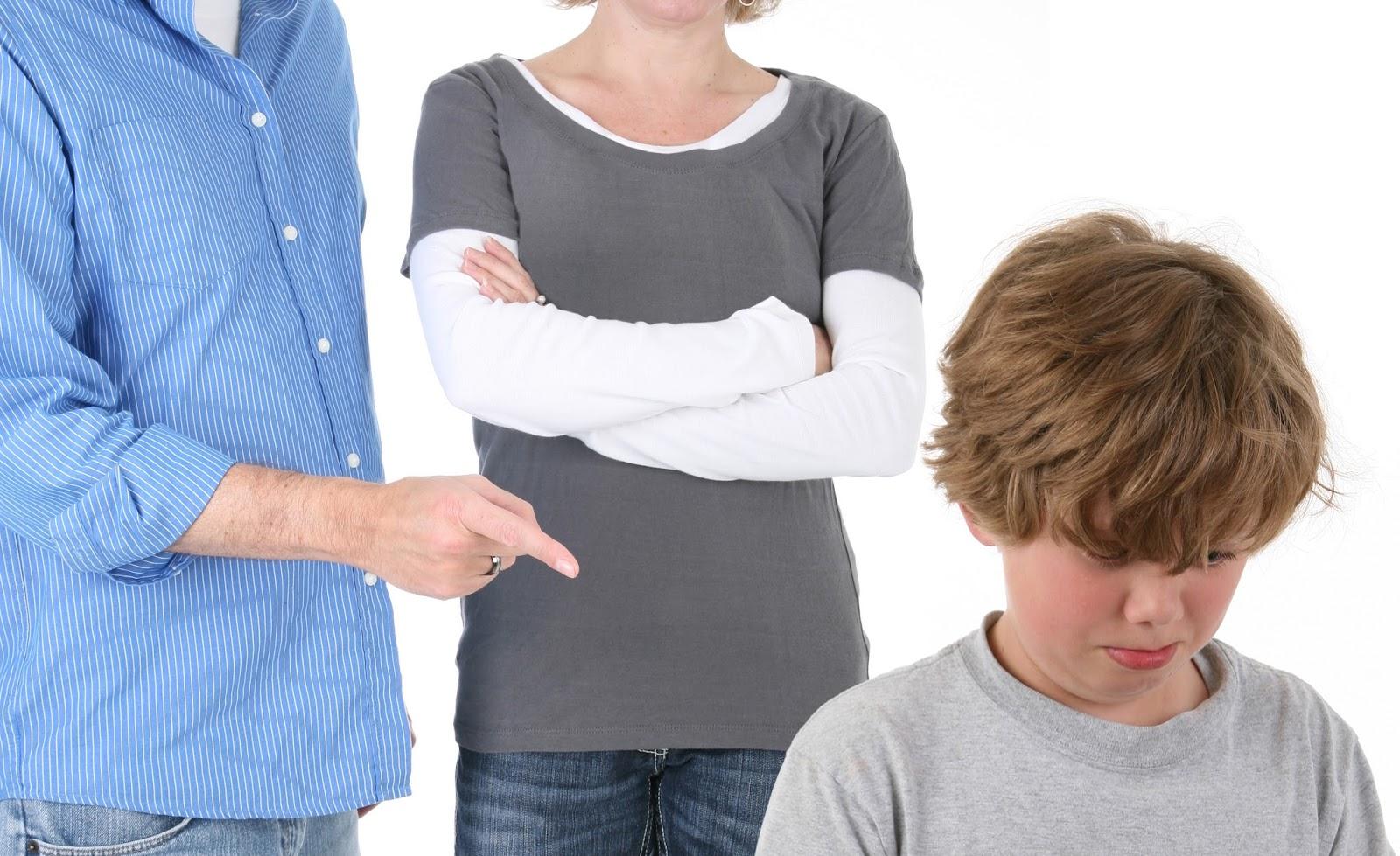 Сын наказал свою мать жестоко, Властная мать наказала нахального сына 6 фотография