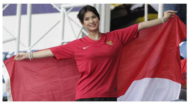 Mariaozawa-dukung-timnas-indonesia