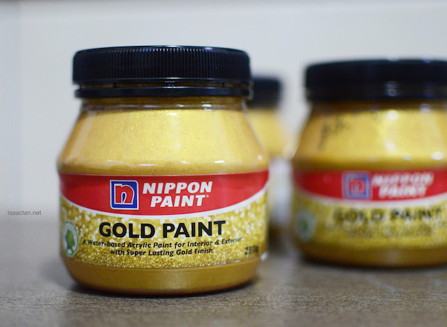 A water based acrylic paint for interior and exterior with super lasting gold finish