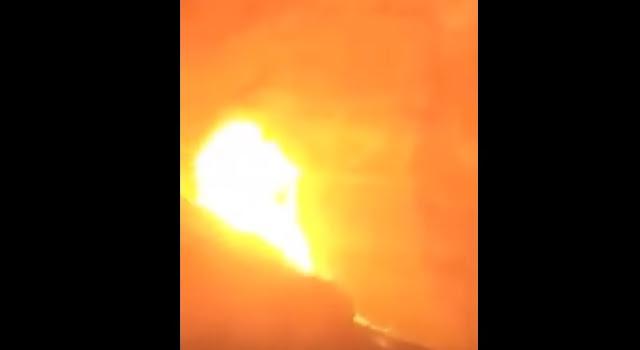 Video del momento in cui l'elicottero di Kobe Bryant rotola in aria ed esplode a terra