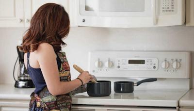 memasak rendang