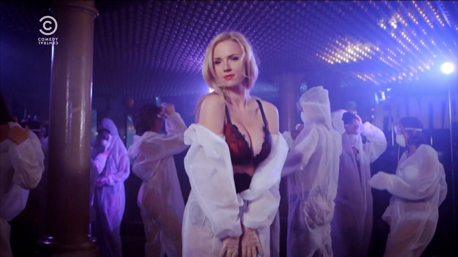 Ancilla Van Der Leest Naakt dutch babes: ancilla tilia stript in popoz @ dutch babes