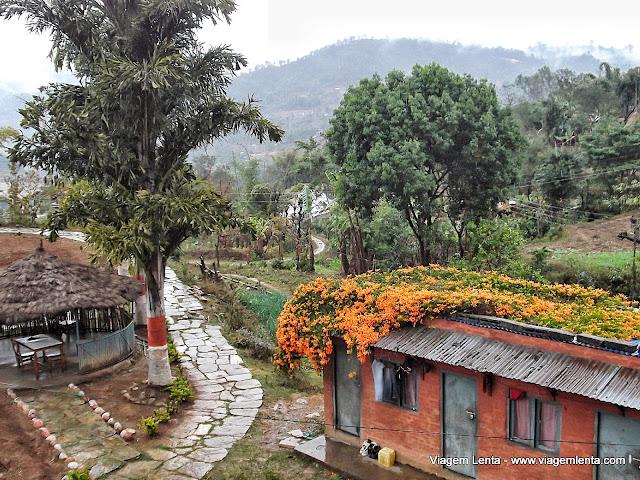 Uma das paisagens na estrada para Pokhara