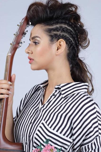 Punjabi singer and actress Sunanda Sharma Wallpaper
