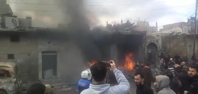 Pemandangan awal dari ledakan yang baru saja terjadi di kota #Azaz di pedesaan utara #Aleppo