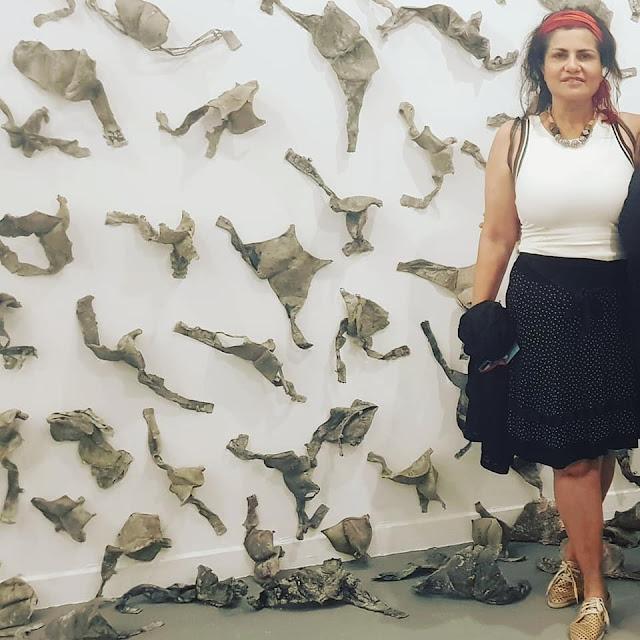 """בחלל יצירתה של  חנאן אבו חוסיין, האמנית הפמיניסטית הרדיקלית   """"שבר גוף"""