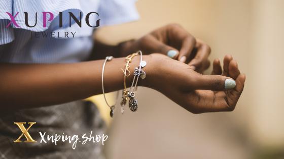 Купить браслеты Xuping Jewelry в интернет-магазине Xuping.shop. Браслеты позолота. Медицинское золото. Ювелирная бижутерия Хьюпинг.
